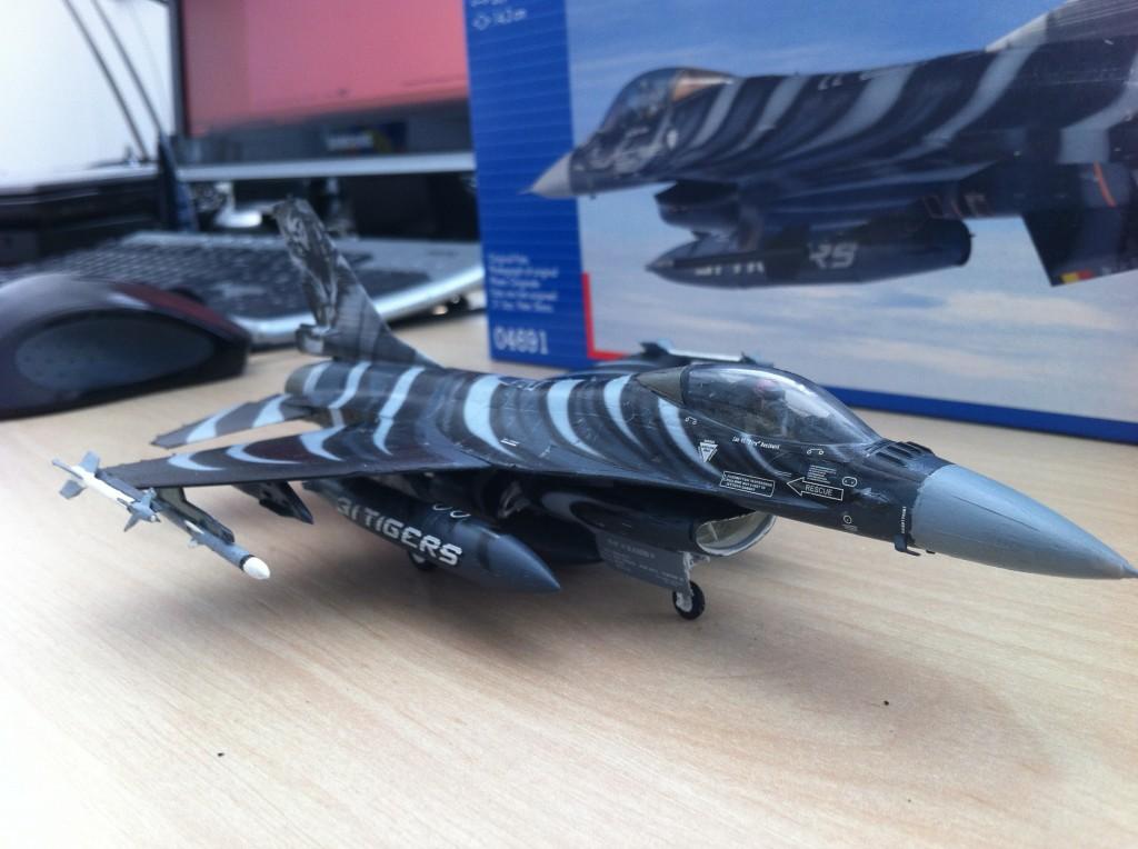 F16 MLU Tigermeet 2009 revell model 01