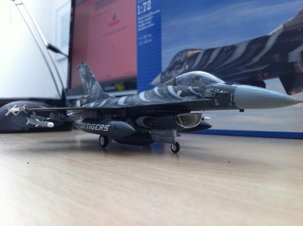 F16 MLU Tigermeet 2009 revell model 12