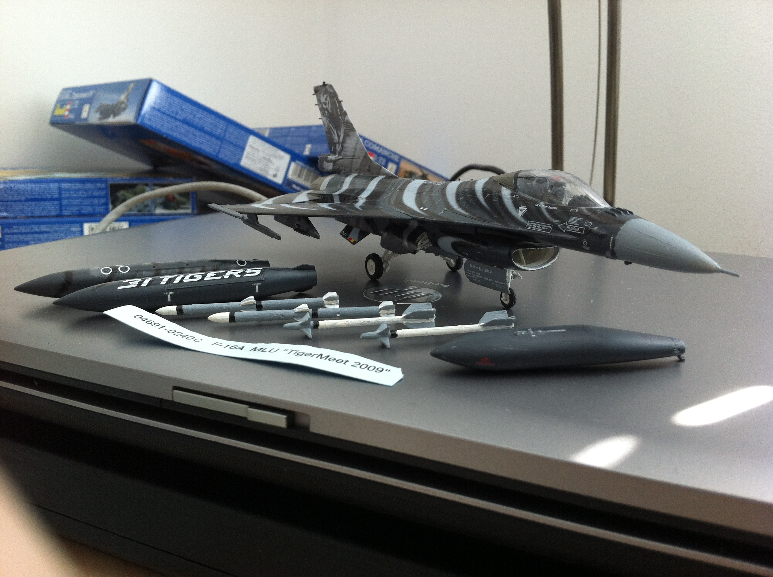 f16 mlu tigermeet 2009 revell model  u2013 construction pictures