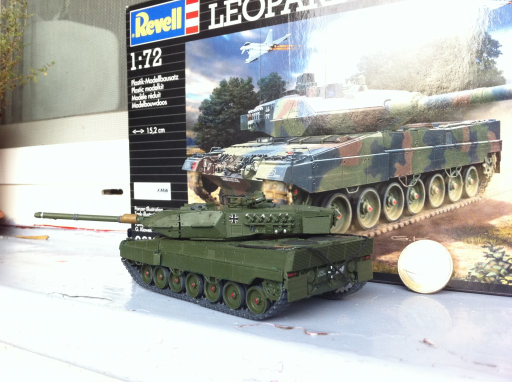Revell Leopard 2 tank model in 1:72 scale, picture 4